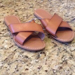 Old Navy Size 7 Tan Sandal Flip Flops